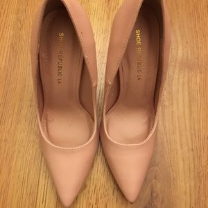 Shoes - Pink nude pumps